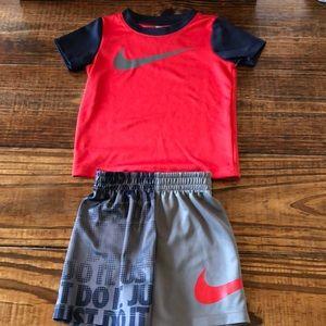 Nike Boys 2 Piece Set